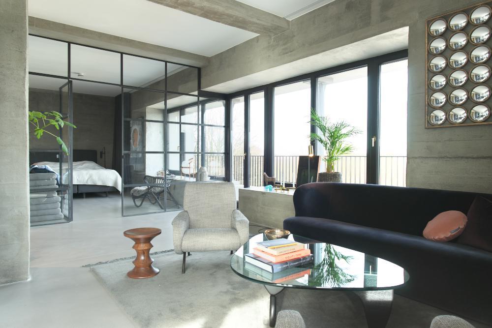 moderne Loft_Wohnung mit viel Sichtbeton